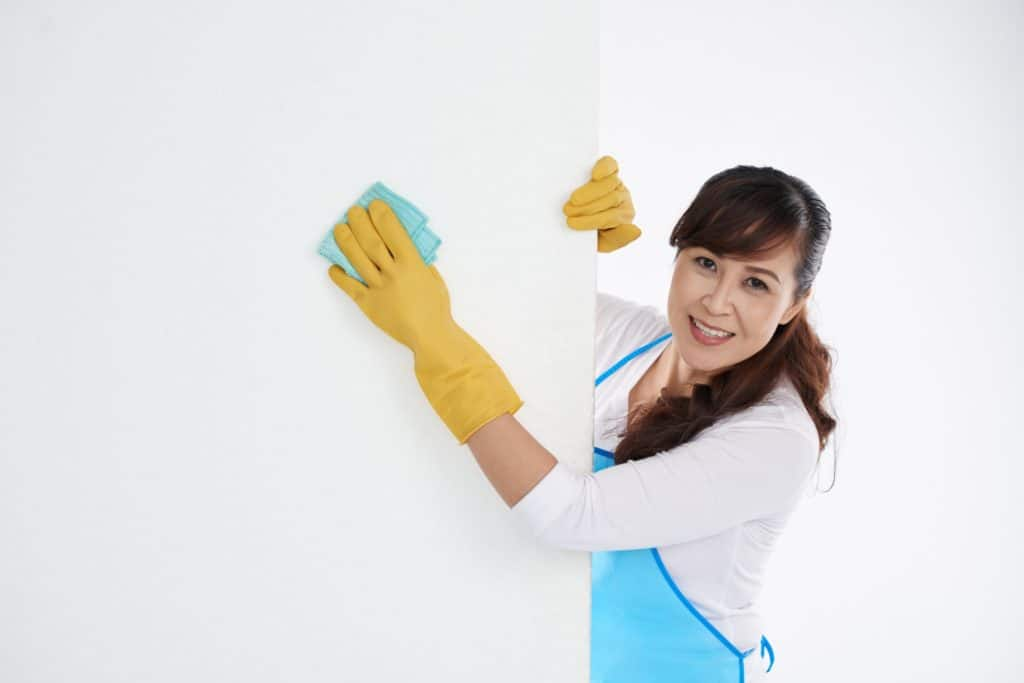 How to Clean Your Walls and Ceilings?